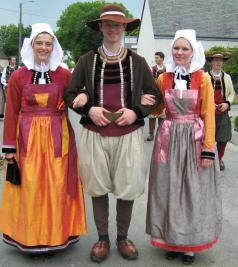 Люди бретонский национальный костюм
